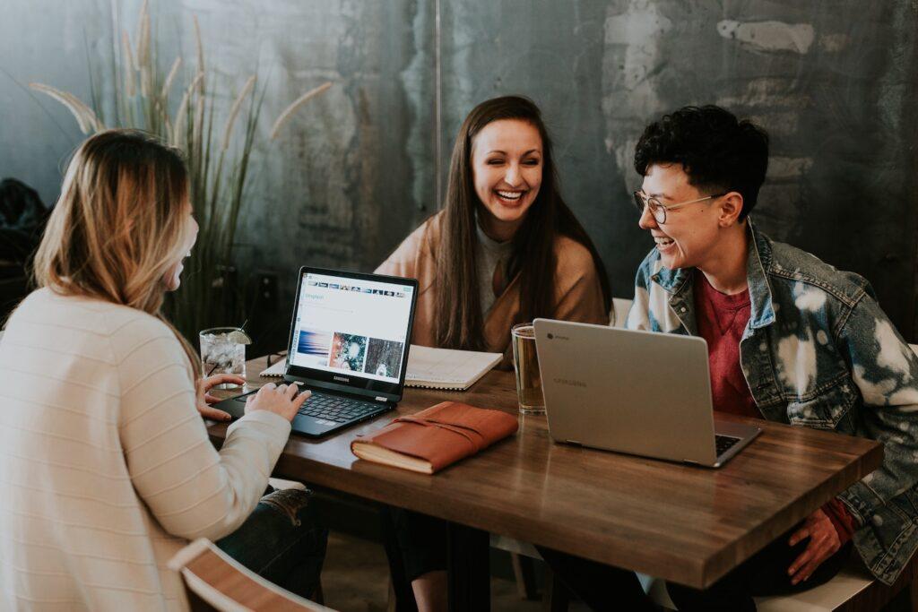 Digitalizzami - nuovo corso gratuito di digital marketing!
